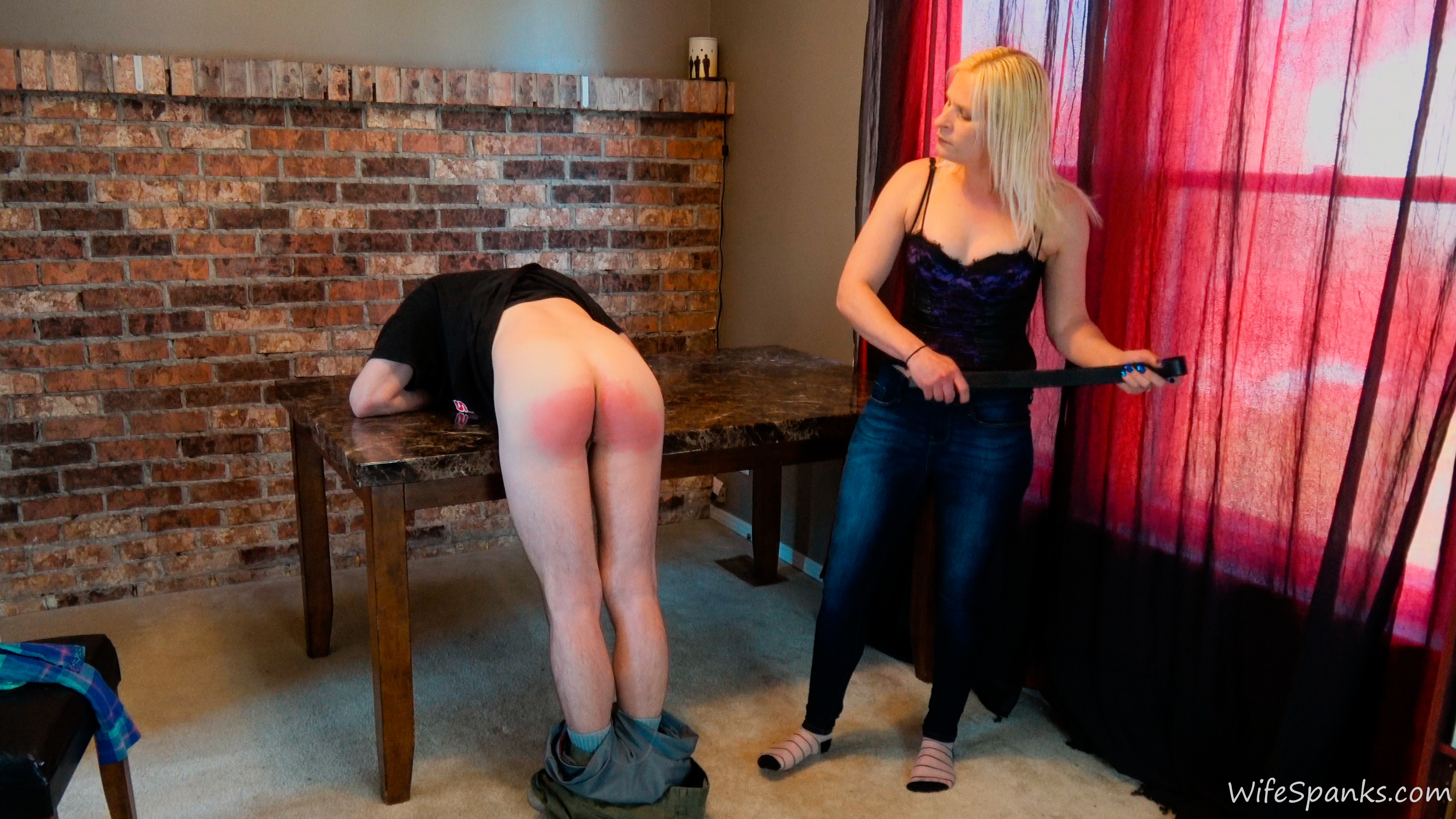 Wife spanks hard hot pics